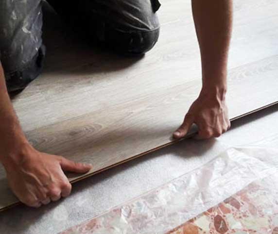 Montaje colocación suelo parquet